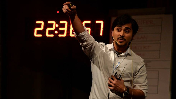 Kishan Thodkar, winner of the 9th Science Slam Zurich.